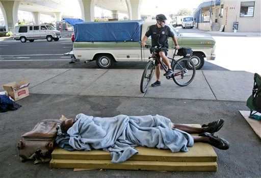 Feds Say It's Unconstitutional to Ban Homeless People From Sleeping Outside