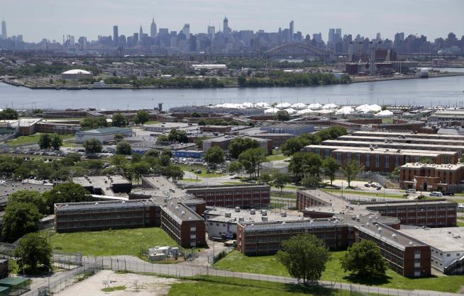 NYC jail inmate caught 7-plus hours after escape from Rikers