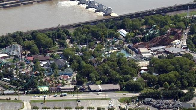 Couple sues Kennywood, alleging man got parasite from Raging Rapids