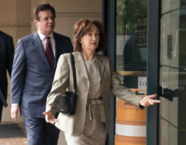 Judge blasts special counsel in Manafort hearing