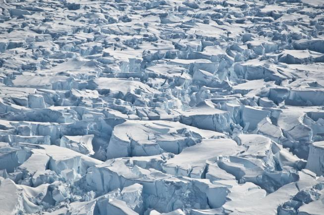 Study sounds alarm on Antarctica's ice sheet