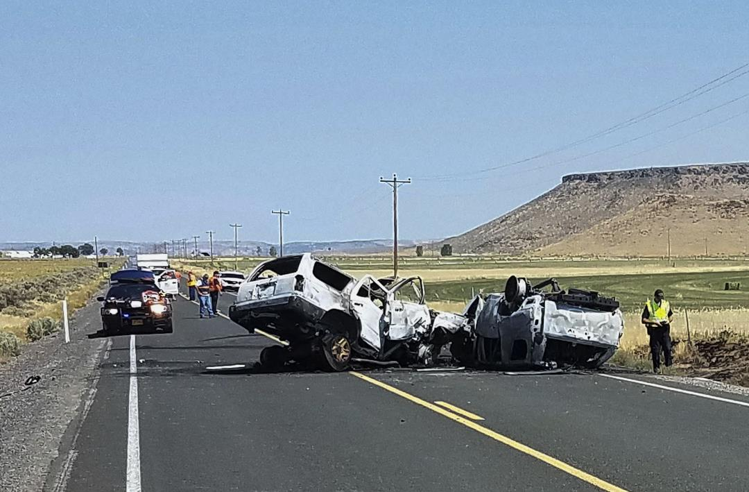 7 of 8 People Killed in Head-On Crash Were Related
