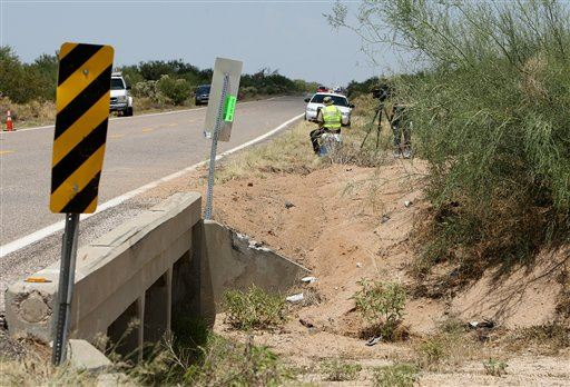 Migrants in US Illegally Among 8 Killed in Crash...