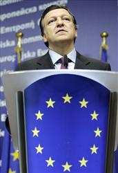 EU Commission President Jose Manuel Barroso addresses the media at the European Commission headquarters in Brussels, Wednesday, Nov. 5, 2008. European Union officials hailed Barack Obama's election victory Wednesday as an opportunity to renew a tenuous trans-Atlantic relationship and join forces in a new deal for a new world.