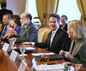 Larry Summers, FDIC chair Sheila Bair, Fed chair Ben Bernanke, Tim Geithner, and SEC chair Mary Schapiro (from left) at a February 2009 meeting at the Treasury Department in Washington.