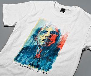 The 'Hope is Fading Fast' T-shirt.
