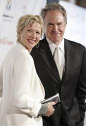 Actress Annette Bening and actor Warren Beatty arrive at the Noche De Ninos benefit gala in Beverly Hills, Calif. on Saturday, May 9, 2009.
