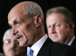 Former Homeland Security Secretary Michael Chertoff discusses Boeing's contract to implement SBInet in 2006.
