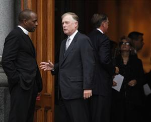 Former Vice President Dan Quayle arrives for Edward Kennedy's funeral.