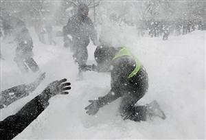 A far friendlier snowball fight.