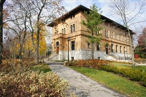 A building on the Northwestern campus is seen in this file photo. This building was not involved in the episode.