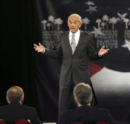 Republican presidential candidate Rep. Ron Paul has come out against the killing of US citizen Anwar al-Awlaki, saying it sets a dangerous precedent.