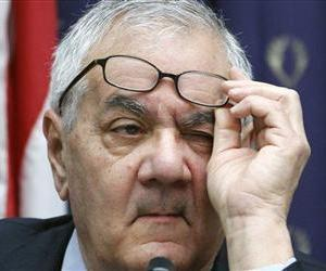 Barney Frank, ranking Democrat on the House Financial Services Committee, participates in the committee's hearing on Capitol Hill, in this March 1, 2011 file photo.