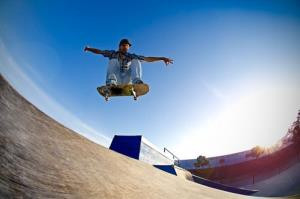 Los Angeles wants to set a speed limit on skateboarders.