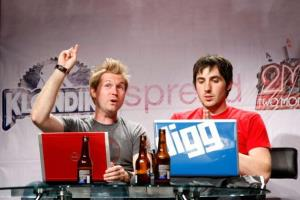 Co-creator of podcast 'The Totally Rad Show' Alex Albrecht (L) and Digg founder Kevin Rose speak during a taping of Internet TV show Diggnation in 2009.