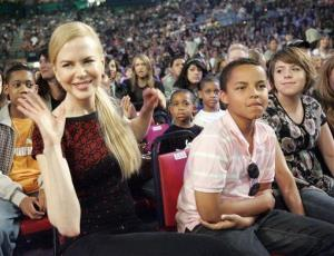 Actress Nicole Kidman, left, and her son Connor are seated before the start of the 20th Annual Kids' Choice Awards in Los Angeles, on Saturday, March 31, 2007.