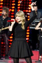 Taylor Swift performs on ABC's Good Morning America on Tuesday, Oct. 23, 2012 in New York.