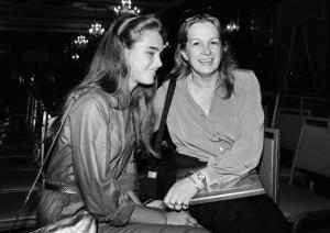 This 1980 file photo shows Brooke Shields with her mother, Teri Shields.