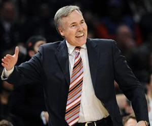 In this Feb. 4, 2012, file photo, then-New York Knicks coach Mike D'Antoni reacts to a play in a game against the New Jersey Nets at Madison Square Garden.