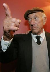 Jack Klugman is shown in New York in this 2004 file photo.