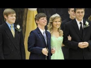 Three Tennessee homecoming king nominees made a unanimous decision that no matter who won, they would give the crown to Scotty Maloney, a beloved student with a genetic condition.