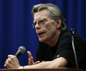 Novelist Stephen King speaks to creative writing students at the University of Massachusetts-Lowell in Lowell, Mass., Friday, Dec. 7, 2012.