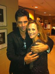 Apparently Marlee Matlin and John Stamos are still friends, because she recently tweeted this picture of them together.