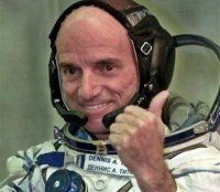 Dennis Tito, the first space tourist, has announced a plan to send a manned mission to Mars and back in 2018.