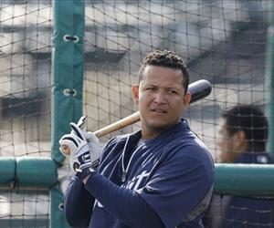 Miguel Cabrera prepares for batting practice before a spring training game against the New York Yankees, March 23, 2013.