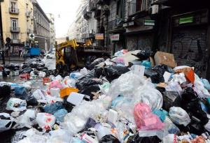 The city of Naples may be able to assist Oslo with its trash shortage.