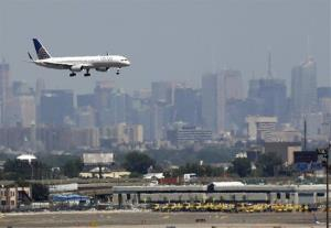 A United plane—but not the one in the story—prepares to land at Newark Liberty International Airport.