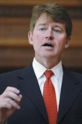 In this Feb. 19, 2009 file photo, Missouri Attorney General Chris Koster talks to members of the Missouri Press Association in Jefferson City, Mo.