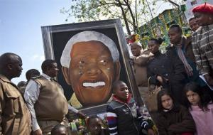 A painting of Nelson Mandela that has been in Klerksdorp prison since it was made in 2011 by a prisoner named Renato Booysen is donated to the Pretoria hospital where Nelson Mandela is being treated.