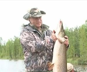 A screenshot from the Putin fishing video.