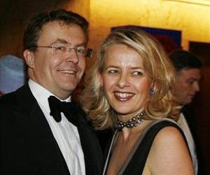 In this Dec. 10, 2008 file photo Dutch Prince Johan Friso, left, and his wife Mabel, right, arrive for a gala dinner at the Grand Hotel in Oslo, Norway.
