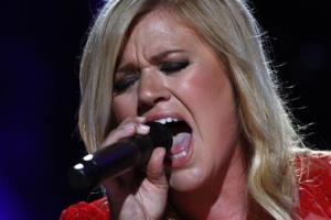 Kelly Clarkson performs on Day 3 of the 2013 CMA Music Festival at the LP Field on Saturday, June 8, 2013 in Nashville, Tenn.