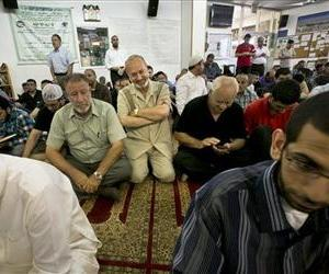 Congregants at the Islamic Society of Bay Ridge and mosque, pray during a service, Aug. 16, 2013.  The NYPD spied on this Brooklyn mosque for years as part of a terrorism investigation begun in 2003.