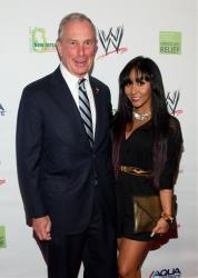 Snooki, standing next to Mayor Michael Bloomberg here, is just 4'9.