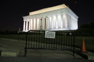 The Lincoln Memorial, and most of the federal government, is still closed.