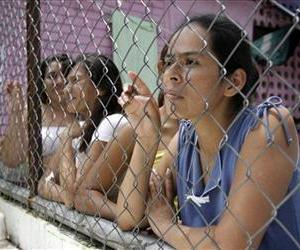 Female inmates are seen at the women's prison of Ilopango in San Salvador, El Salvador, in this June 26, 2012 file photo.