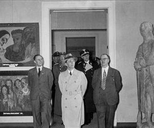 Joseph Goebbels visits an exhibition of degenerate art in 1938.
