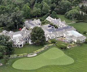 This Friday, July 26, 2013, file photo shows the Greenwich, Conn., estate belonging to billionaire hedge fund owner Stephen Cohen, founder of SAC Capital Advisors.