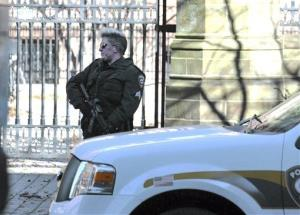 Police respond to the reports of a gunman on Yale campus Monday, Nov. 25, 2013, in New Haven, Conn.