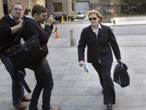 JoAnn Crupi, right, arrives at federal court in New York, Tuesday, Oct. 8, 2013.