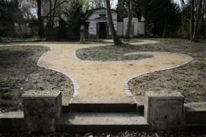 The Georgen Parochial Cemetery in Berlin is designating an area for lesbians.