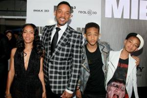 Jada Pinkett-Smith, Will Smith, and their kids Jaden Smith and Willow pose at the premiere of  Men in Black 3, at the Zeigfeld Theatre in New York, May 23, 2012.