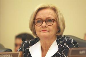 Sen. Claire McCaskill listens to Dr. Mehmet Oz testify before a Senate subcommittee on Consumer Protection, Product Safety, and Insurance hearing yesterday.