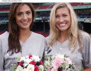 Deal or No Deal models Lindsay Clubine (right) and Katie Cleary (left).