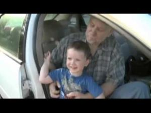 A Tennessee man was freed from a hot car, all thanks to a 3-year-old.