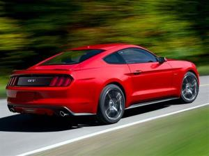 New 2015 Ford Mustang Plays Fake Engine Sounds